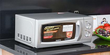Cách sử dụng lò vi sóng Sanyo an toàn tiết kiệm điện